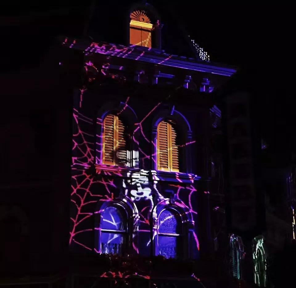 迪士尼乐园墙体灯光投影2.webp